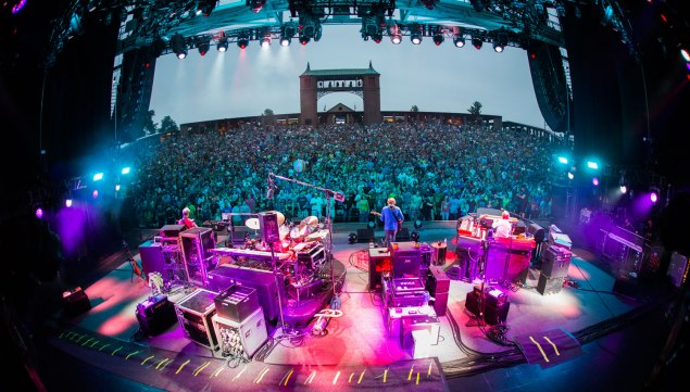 037_150805_phish_kansas_rene_huemer