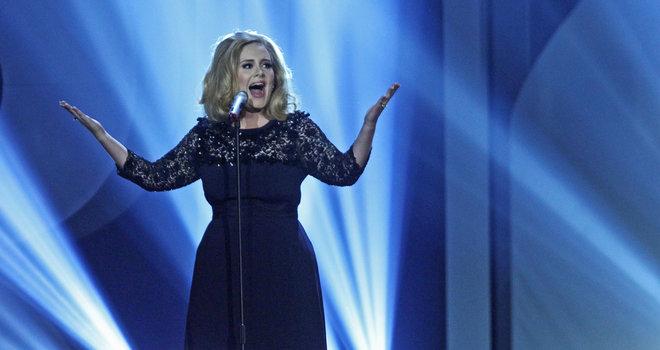 Adele-Brit-Awards-2012_image_660